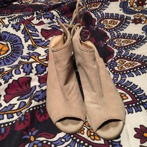Kristen Cavallari by Chinese Laundry summer suede